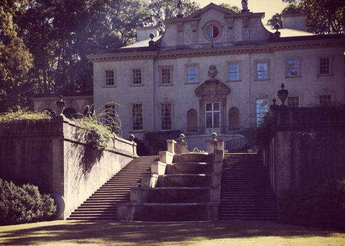 swan_house